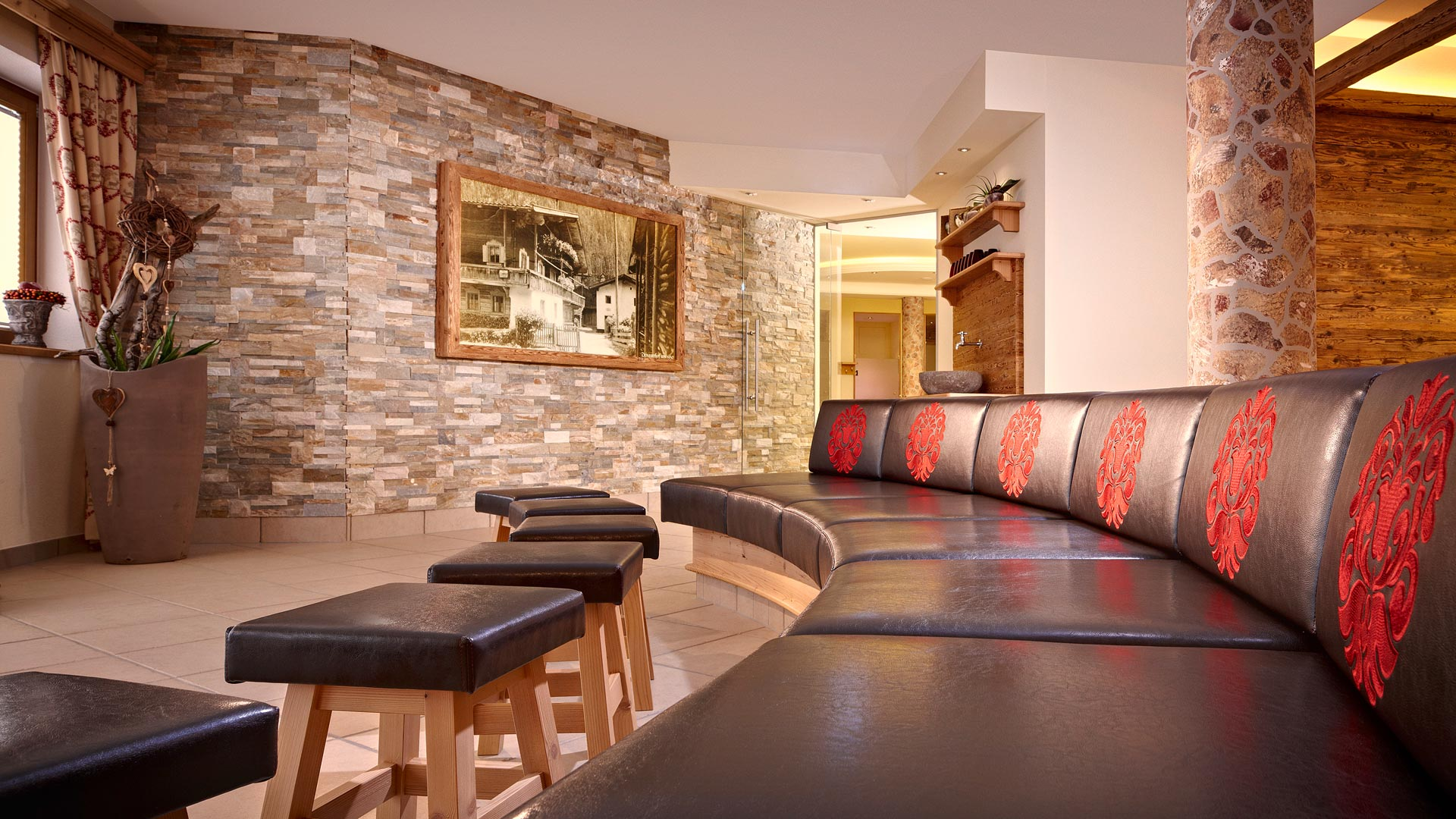 Vitalwelt raumgestaltung eberl sauna for Individuelle raumgestaltung
